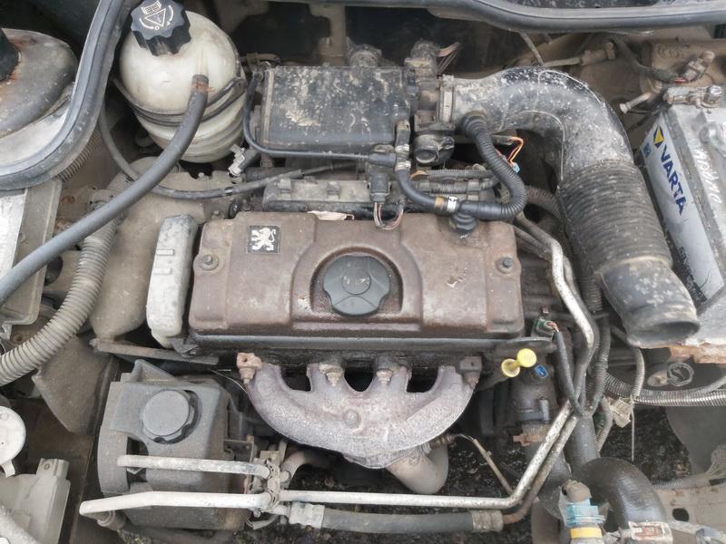 Подержанные Автозапчасти Foto 2 Peugeot 206 2000 1.1 машиностроение хэтчбэк 4/5 d. Серый 2020-11-21 A5844