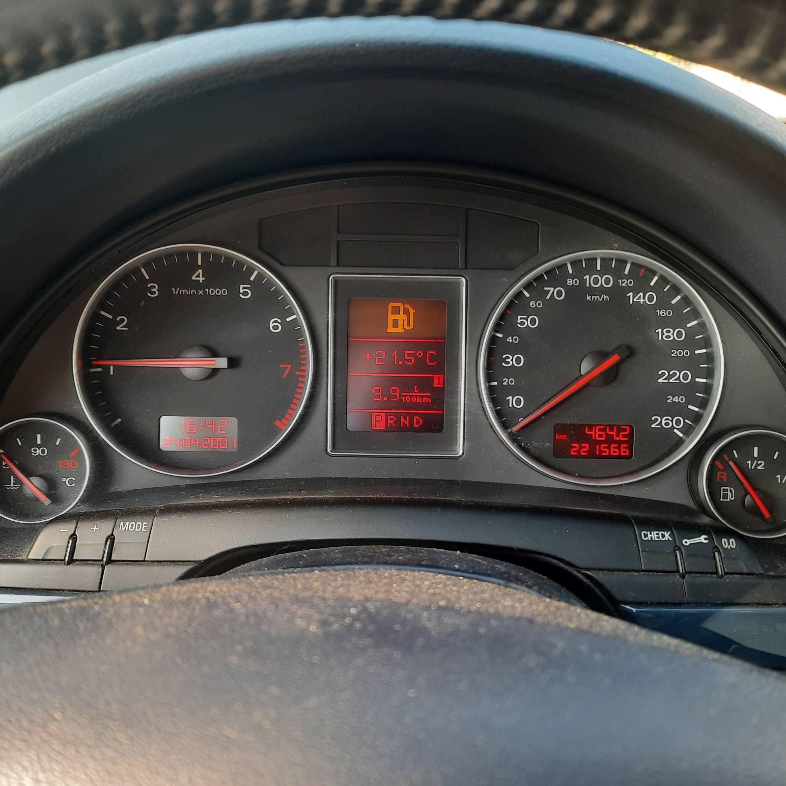 Naudotos automobilio dalys Audi A4 2001 2 Automatinė Sedanas 4/5 d. Melyna 2021-7-07
