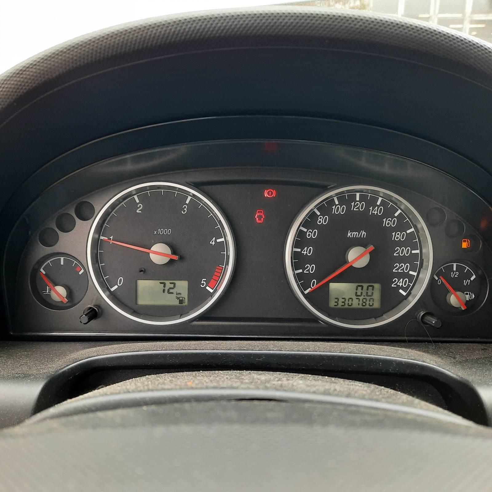 Naudotos automobilio dalys Ford MONDEO 2002 2.0 Mechaninė Hečbekas 4/5 d. Pilka 2021-9-21
