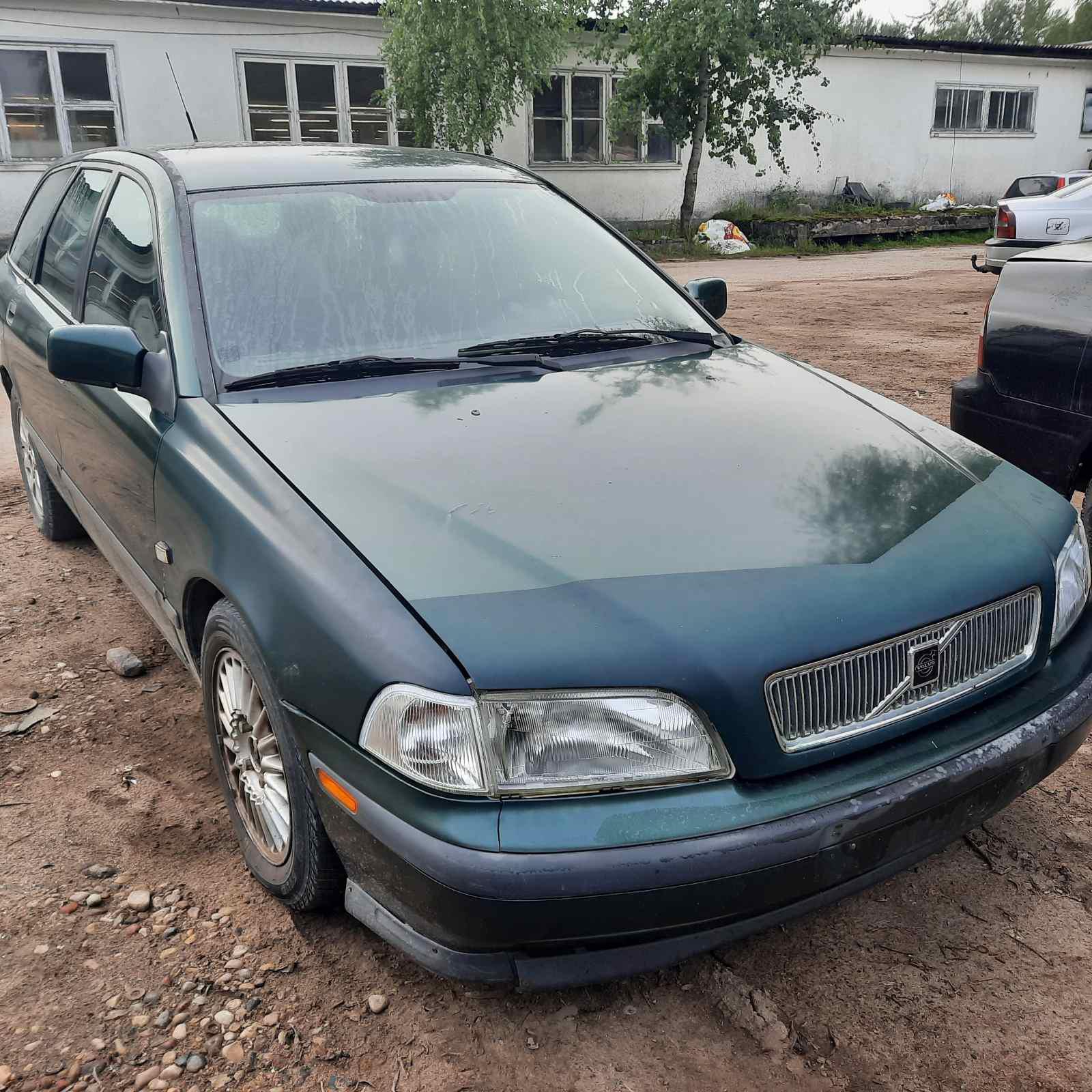 Naudotos automobilio dalys Volvo V40 1999 1.8 Automatinė Universalas 4/5 d. Zalia 2021-8-26