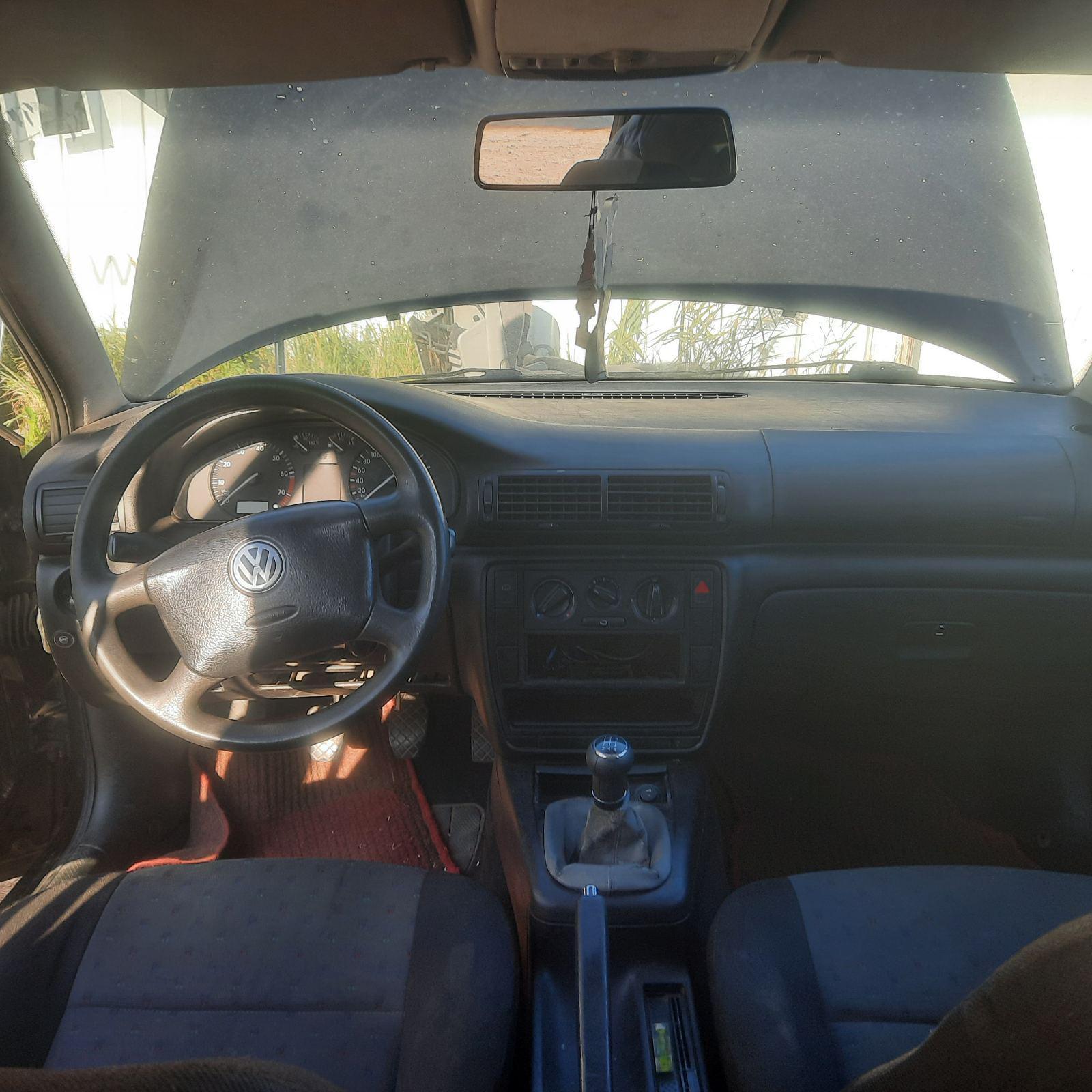 Naudotos automobilio dalys Volkswagen PASSAT 1997 1.8 Mechaninė Sedanas 4/5 d. Juoda 2021-10-06