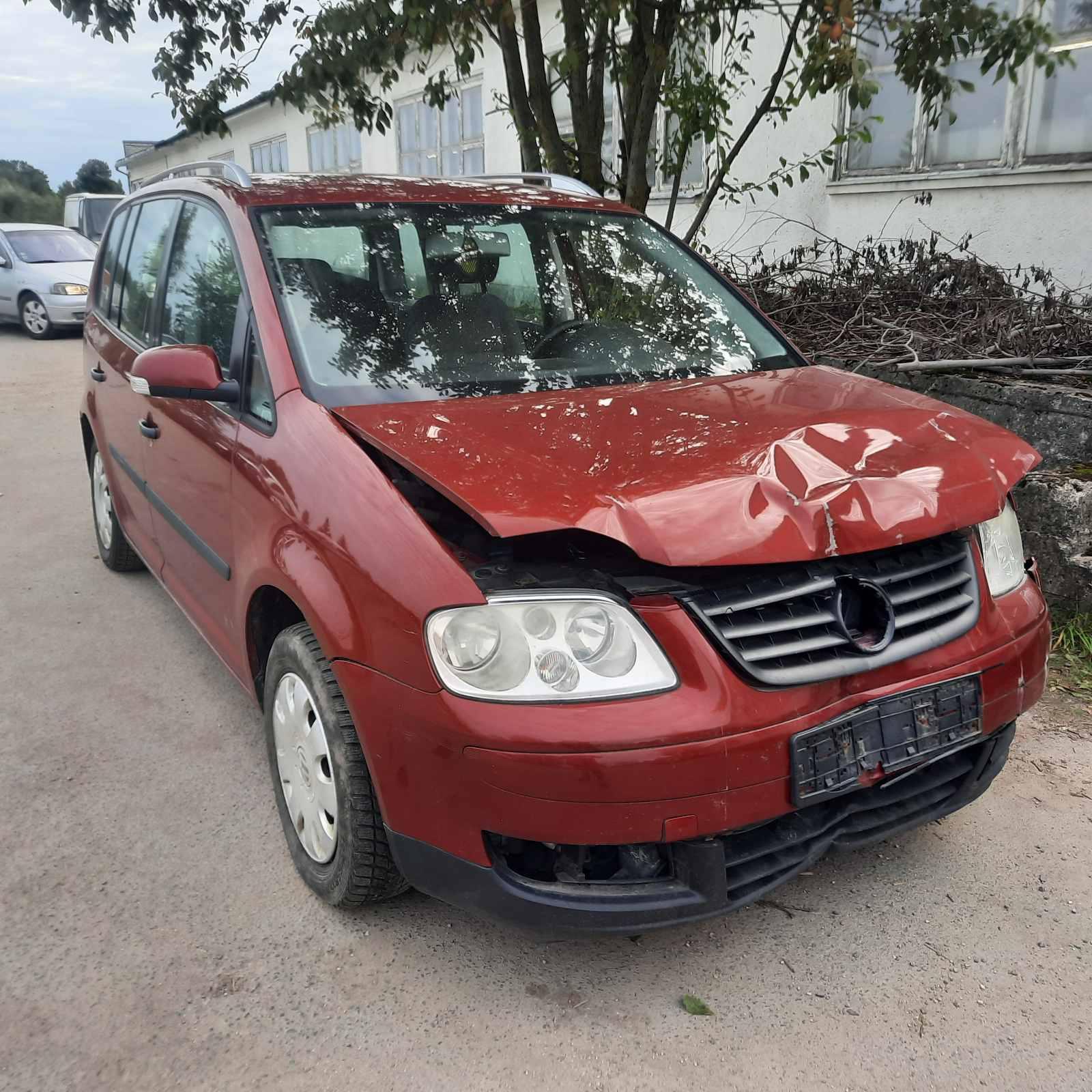 Naudotos automobilio dalys Volkswagen TOURAN 2004 1.9 Mechaninė Hečbekas 4/5 d. Raudona 2021-9-06