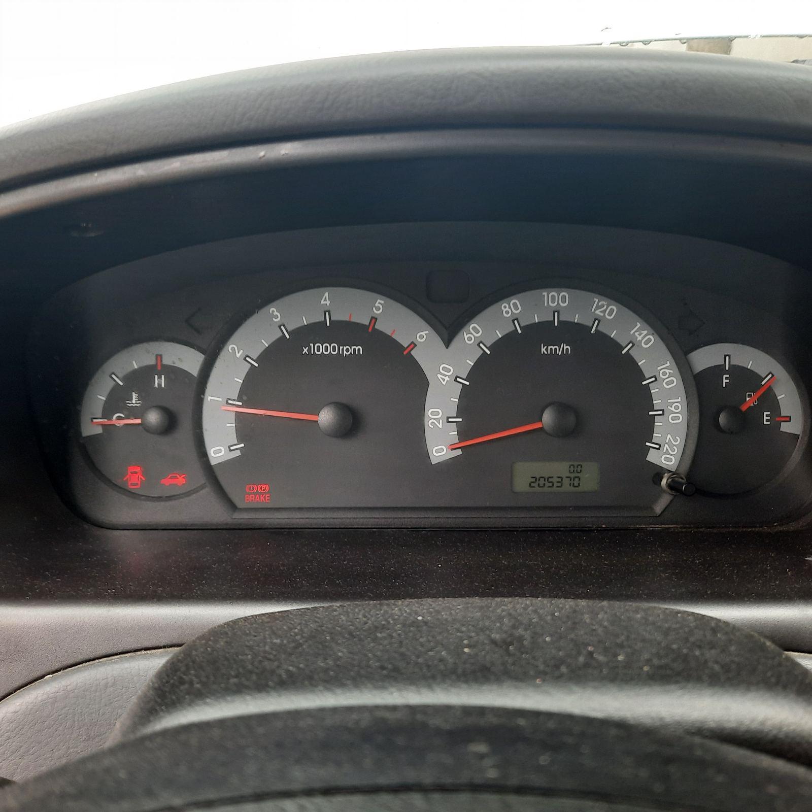 Naudotos automobilio dalys Hyundai ELANTRA 2001 2.0 Mechaninė Sedanas 4/5 d. Pilka 2021-8-11