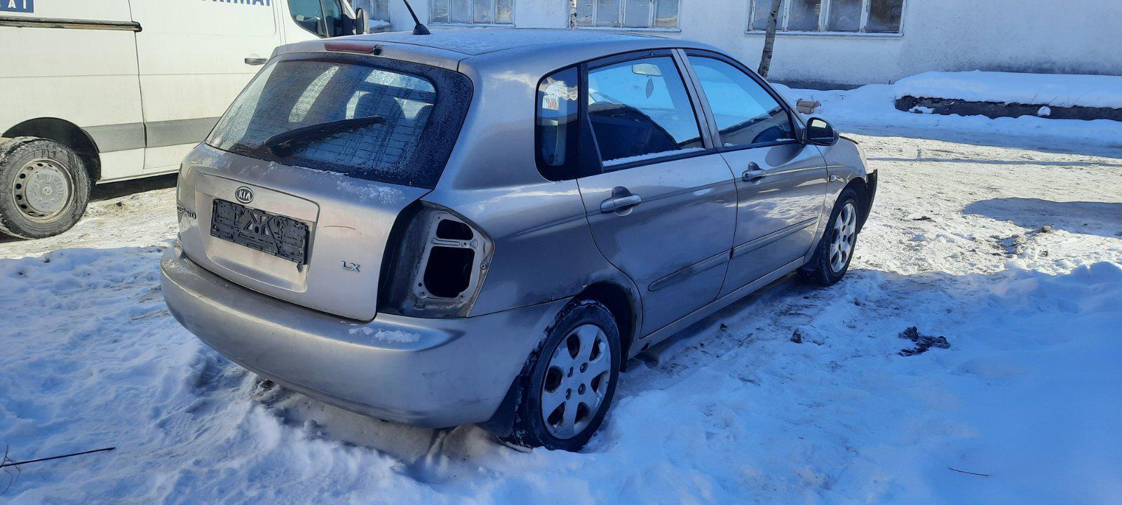 Подержанные Автозапчасти Foto 2 Kia CERATO 2004 1.6 машиностроение хэтчбэк 4/5 d. Браун 2021-2-17 A6057