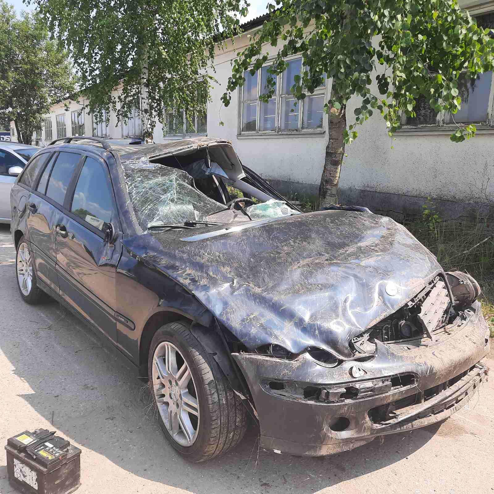 Naudotos automobilio dalys Mercedes-Benz C-CLASS 2004 2.7 Mechaninė Universalas 4/5 d. Juoda 2021-7-12