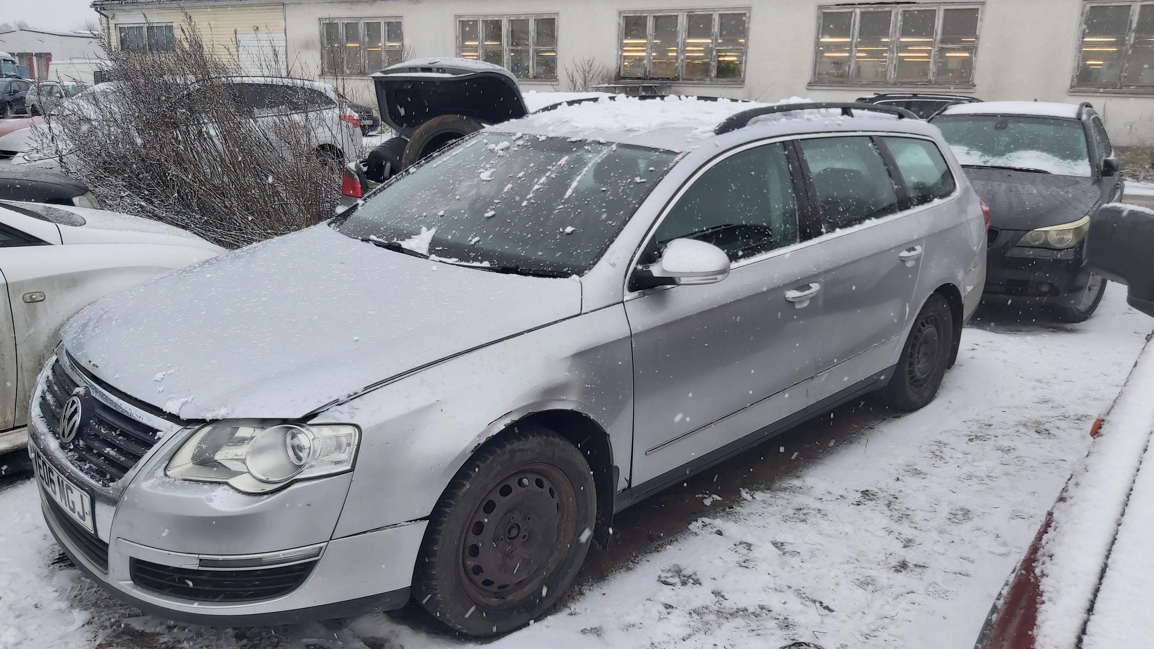 Naudotos automobilio dalys Volkswagen PASSAT 2006 2.0 Mechaninė Universalas 4/5 d. Pilka 2021-1-07