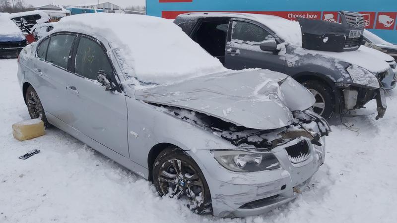 Naudotos automobilio dalys BMW 3-SERIES 2005 2.0 Mechaninė Sedanas 4/5 d. Sidabrine 2021-1-08
