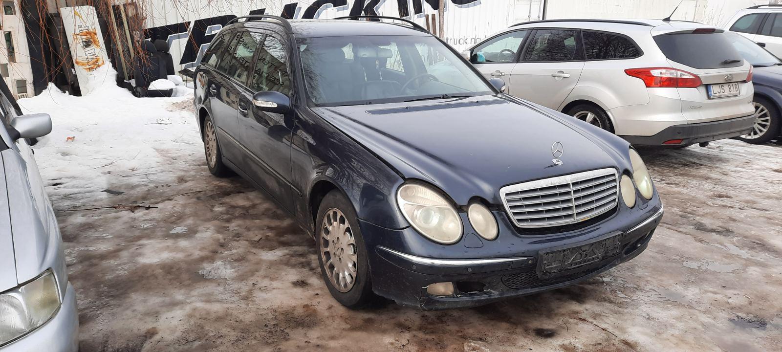Подержанные Автозапчасти Mercedes-Benz E-CLASS 2004 2.2 машиностроение универсал 4/5 d. синий 2021-2-23