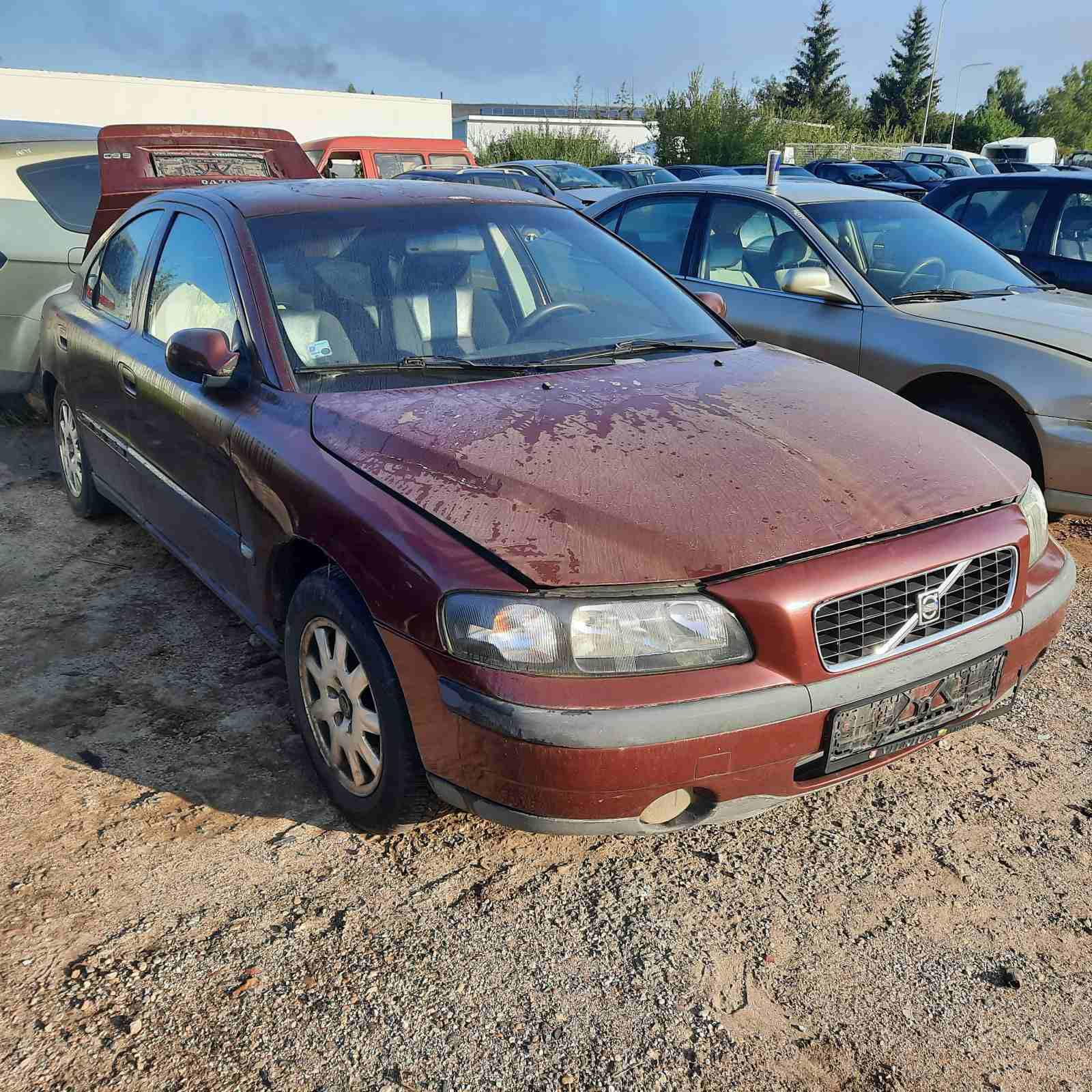 Naudotos automobilio dalys Volvo S60 2003 2.4 Mechaninė Sedanas 4/5 d. Raudona 2021-8-19