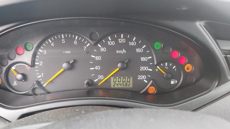Naudotos automobiliu dallys Foto 7 Ford FOCUS 1999 1.6 Mechaninė Hečbekas 4/5 d. Pilka 2021-2-06 A6053