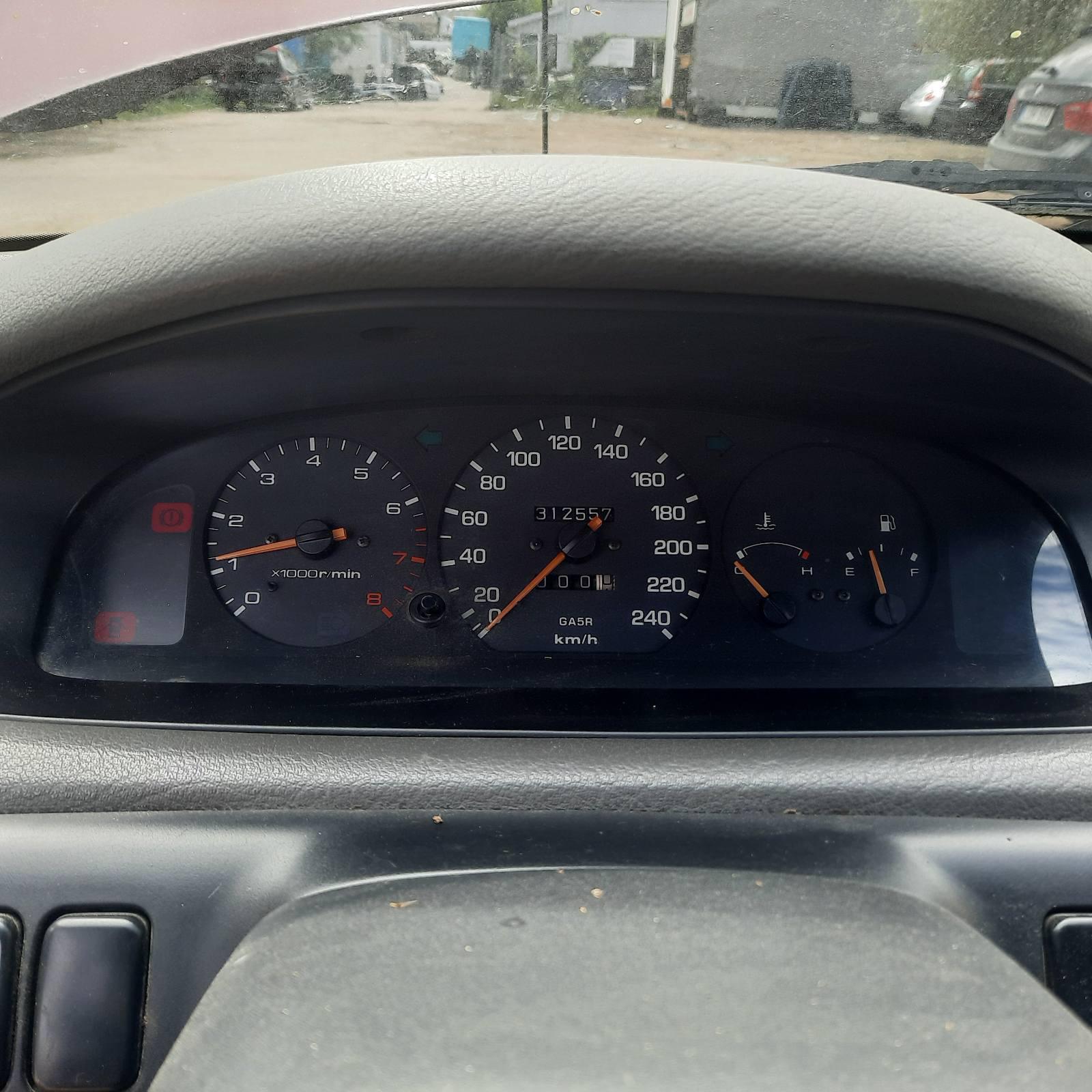 Naudotos automobilio dalys Mazda 626 1993 2.0 Mechaninė Hečbekas 4/5 d. Raudona 2021-8-05