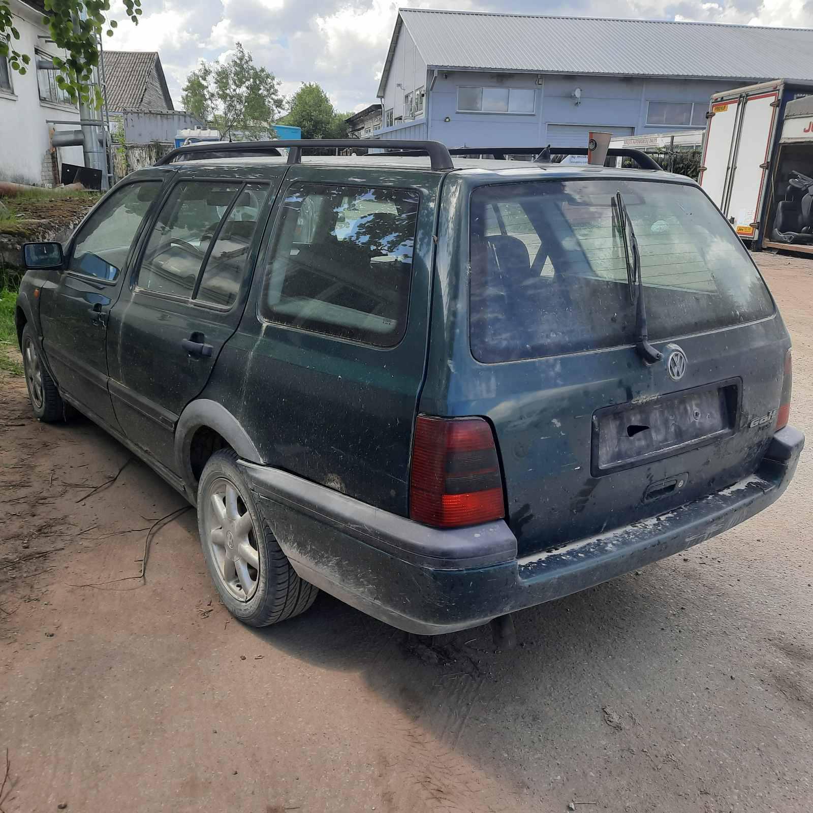 Naudotos automobiliu dallys Foto 4 Volkswagen GOLF 1996 1.9 Mechaninė Universalas 4/5 d. Zalia 2021-6-05 A6283
