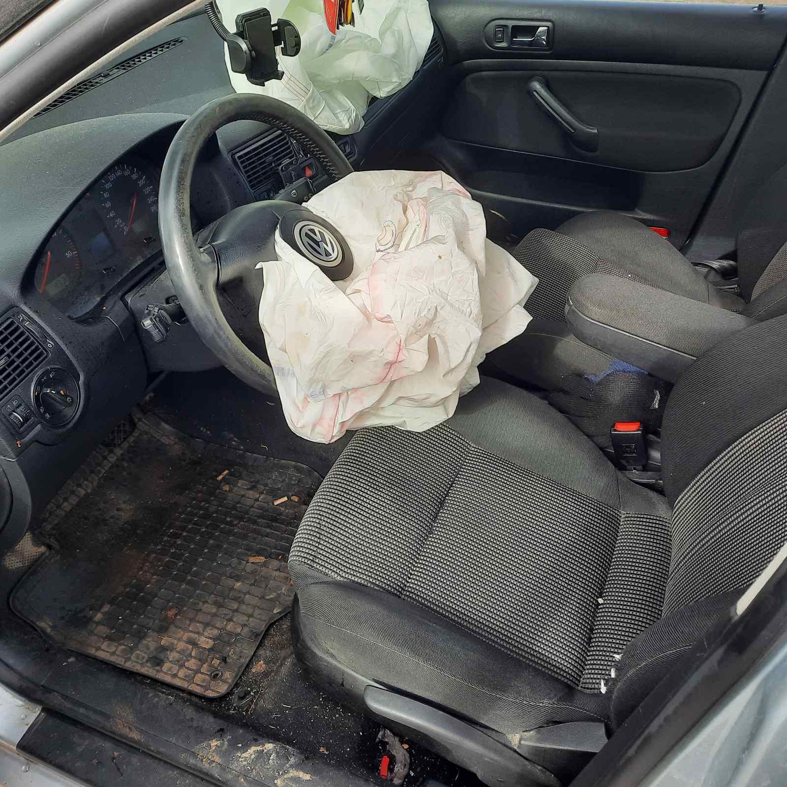 Naudotos automobiliu dallys Foto 5 Volkswagen GOLF 2001 1.9 Automatinė Hečbekas 4/5 d. Pilka 2021-4-02 A6129