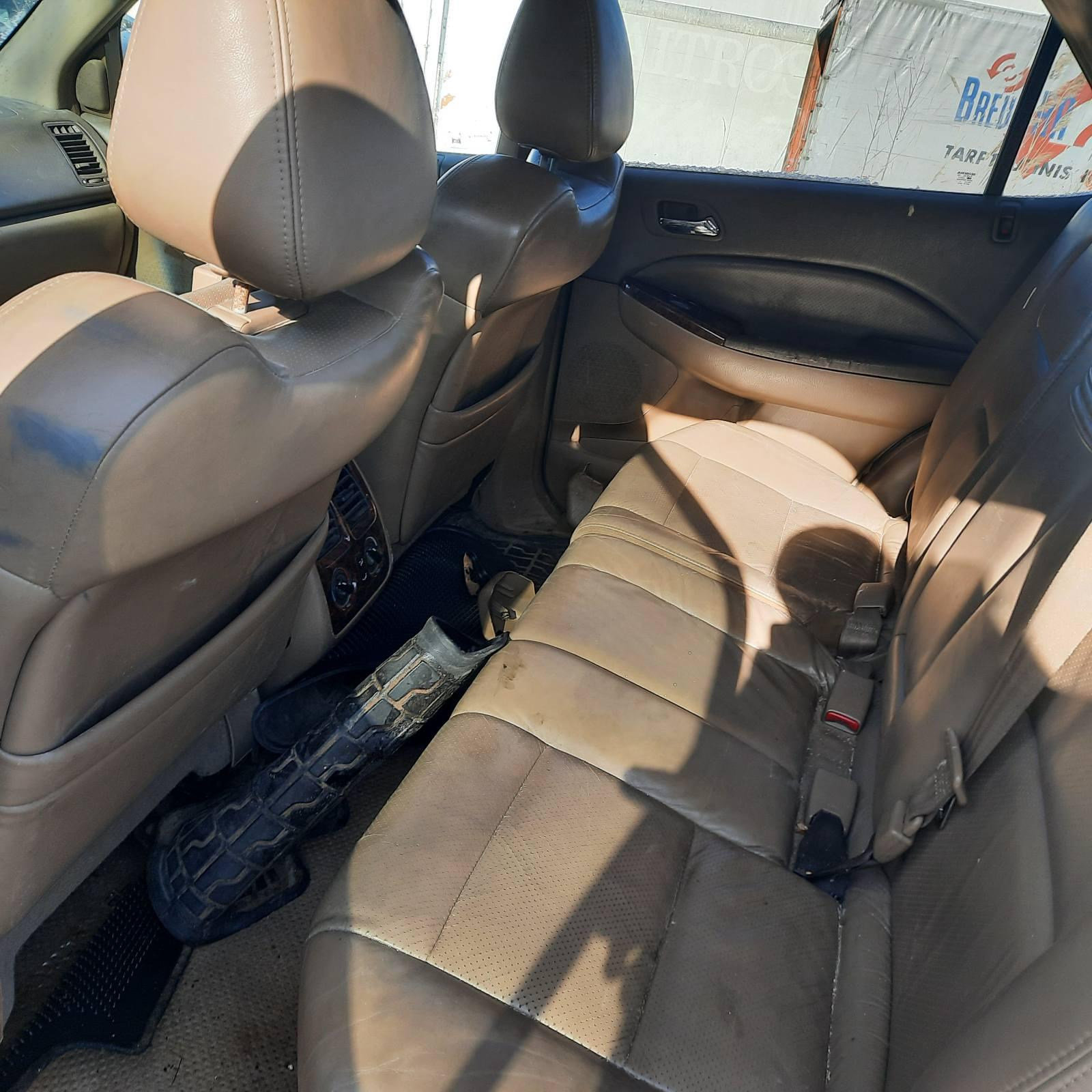 Подержанные Автозапчасти Acura MDX 2002 3.5 автоматическая напрямик 4/5 d. белый 2021-4-07