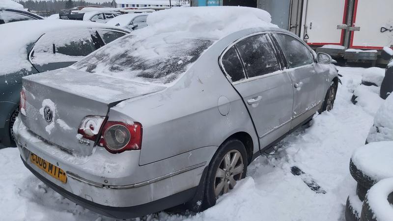 Подержанные Автозапчасти Volkswagen PASSAT 2006 2.0 машиностроение седан 4/5 d. серебро 2021-1-11