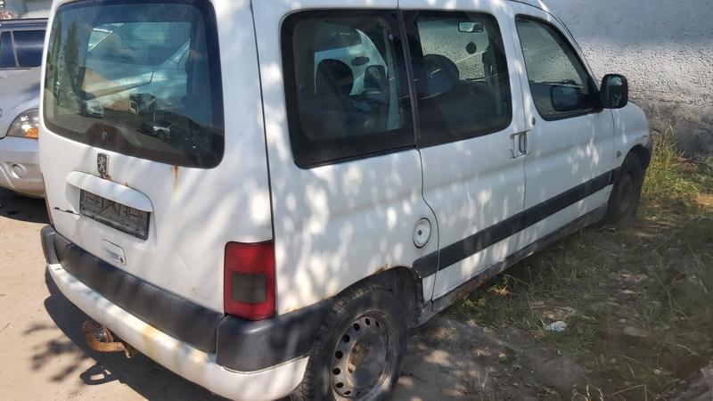 Naudotos automobiliu dallys Foto 5 Peugeot PARTNER 2001 1.9 Mechaninė Komercinis 2/3 d. Balta 2021-7-20 A6431