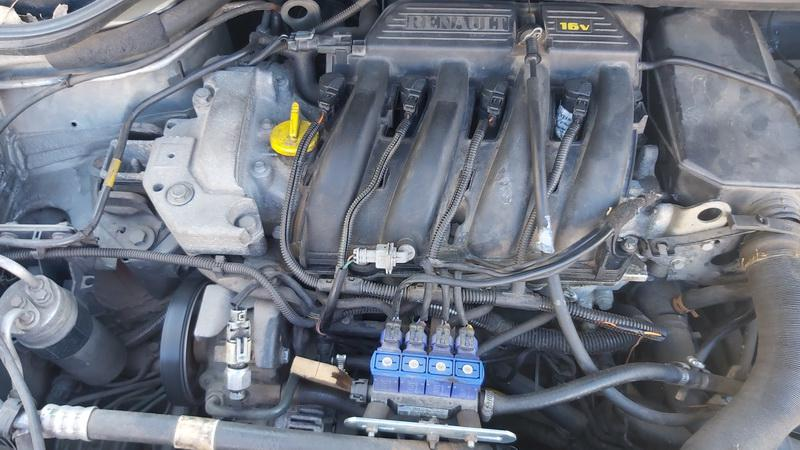 Used Car Parts Foto 3 Renault SCENIC 2000 1.6 Automatic Minivan 4/5 d. Grey 2021-5-01 A6188