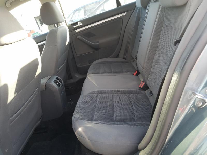 Подержанные Автозапчасти Volkswagen JETTA 2008 2.0 машиностроение седан 4/5 d. Серый 2021-1-11