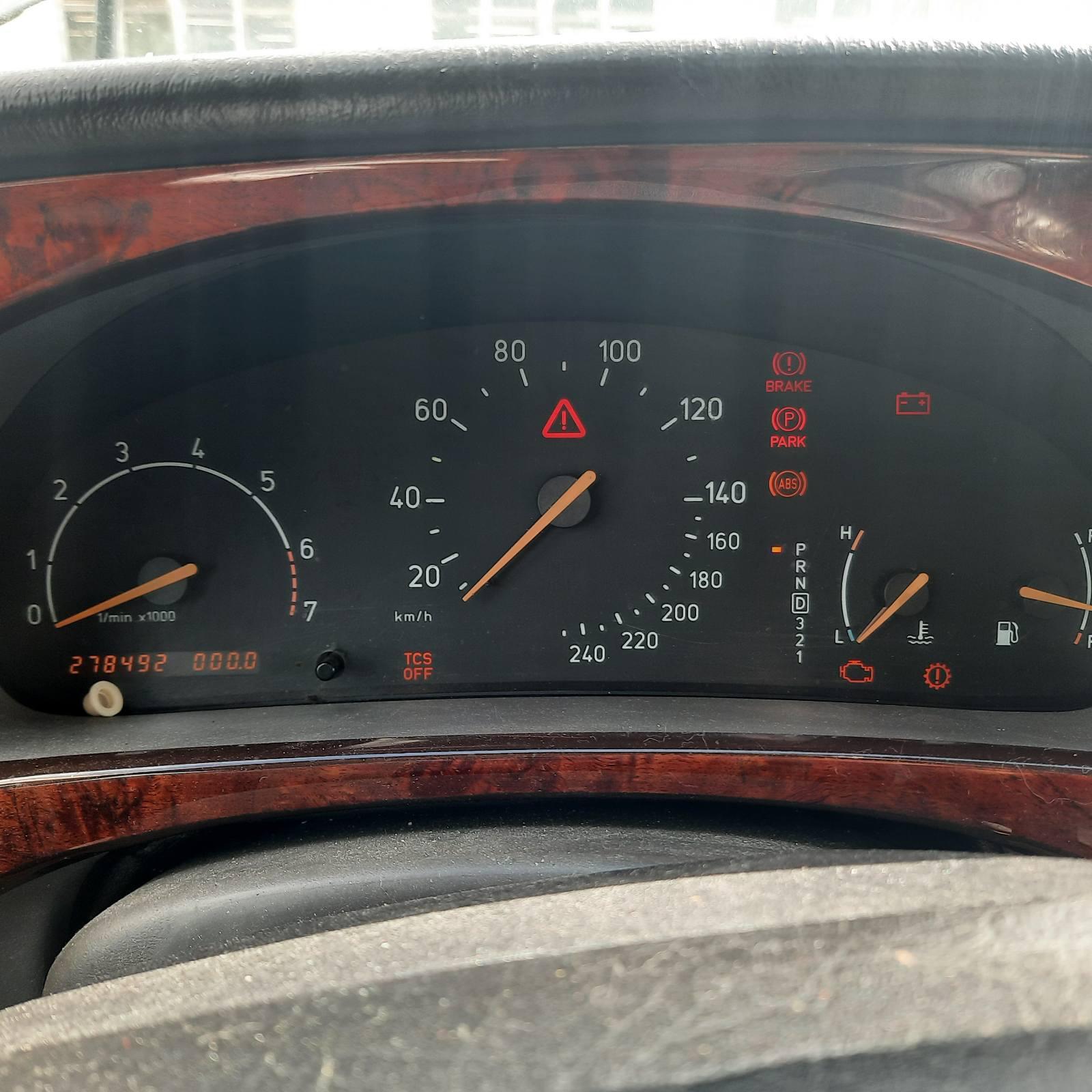 Naudotos automobilio dalys SAAB 9-5 2001 2.0 Automatinė Sedanas 4/5 d. Pilka 2021-8-18