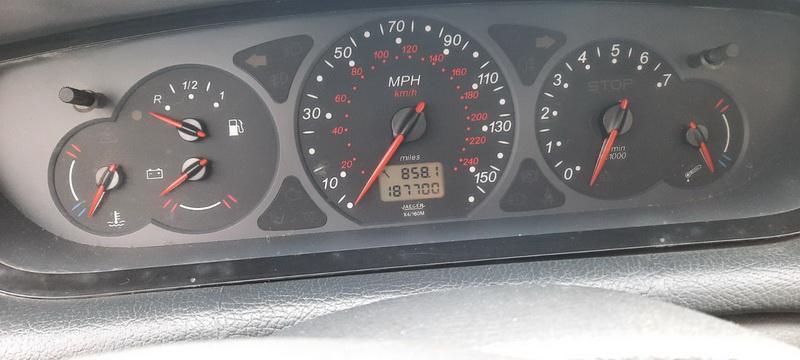 Подержанные Автозапчасти Citroen C5 2002 2.0 машиностроение хэтчбэк 4/5 d. Серый 2021-2-27