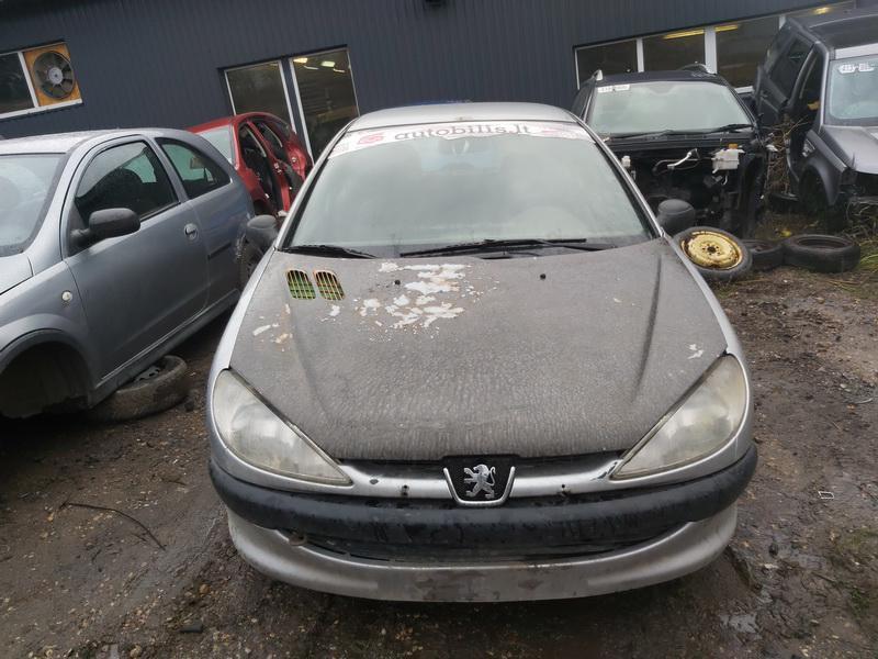Подержанные Автозапчасти Foto 3 Peugeot 206 2000 1.1 машиностроение хэтчбэк 4/5 d. Серый 2020-11-21 A5844