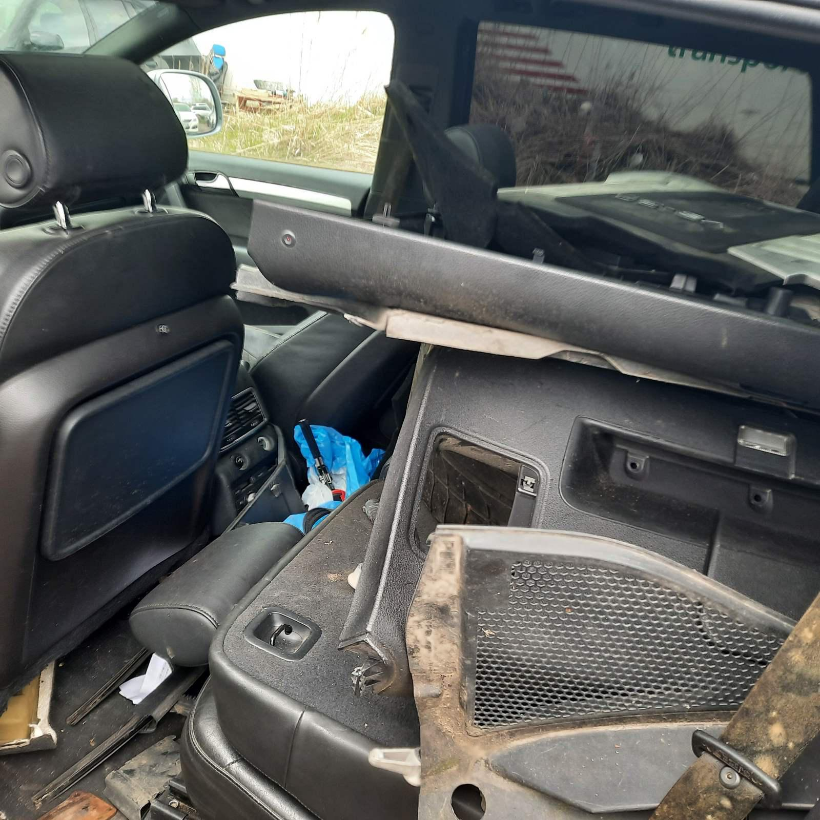 Naudotos automobiliu dallys Foto 6 Audi Q7 2007 3.0 Automatinė Visureigis 4/5 d. Pilka 2021-4-26 A6163