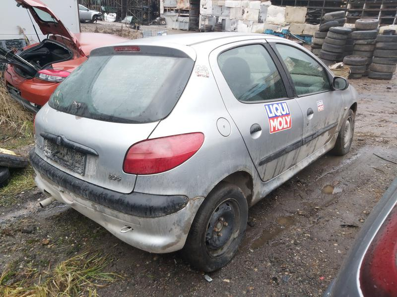 Подержанные Автозапчасти Foto 9 Peugeot 206 2000 1.1 машиностроение хэтчбэк 4/5 d. Серый 2020-11-21 A5844