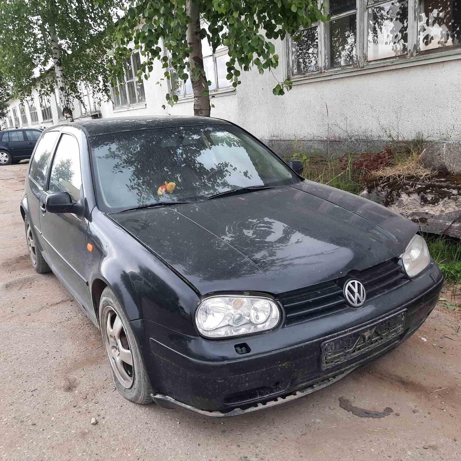 Подержанные Автозапчасти Volkswagen GOLF 1998 1.6 машиностроение хэтчбэк 2/3 d. черный 2021-7-23