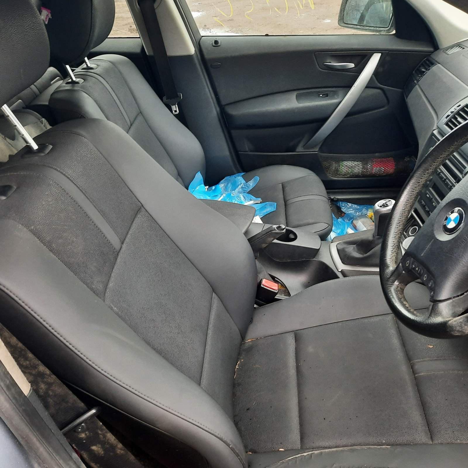 Naudotos automobiliu dallys Foto 5 BMW X3 2005 2.0 Mechaninė Visureigis 4/5 d. Melyna 2021-4-07 A6135