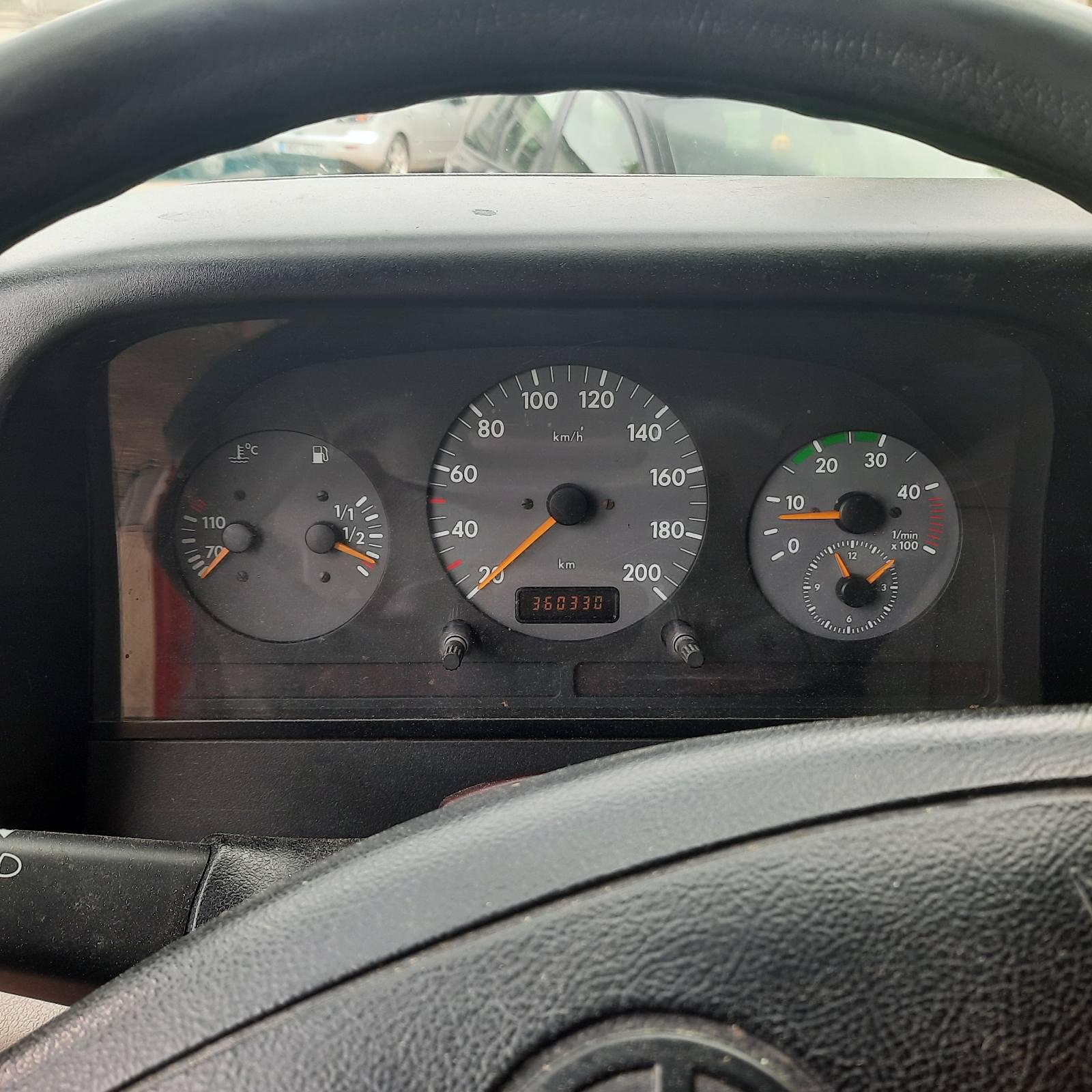 Naudotos automobilio dalys Volkswagen LT 2000 2.8 Mechaninė Krovininis mikroautobusas 2/3 d. Raudona 2021-5-28