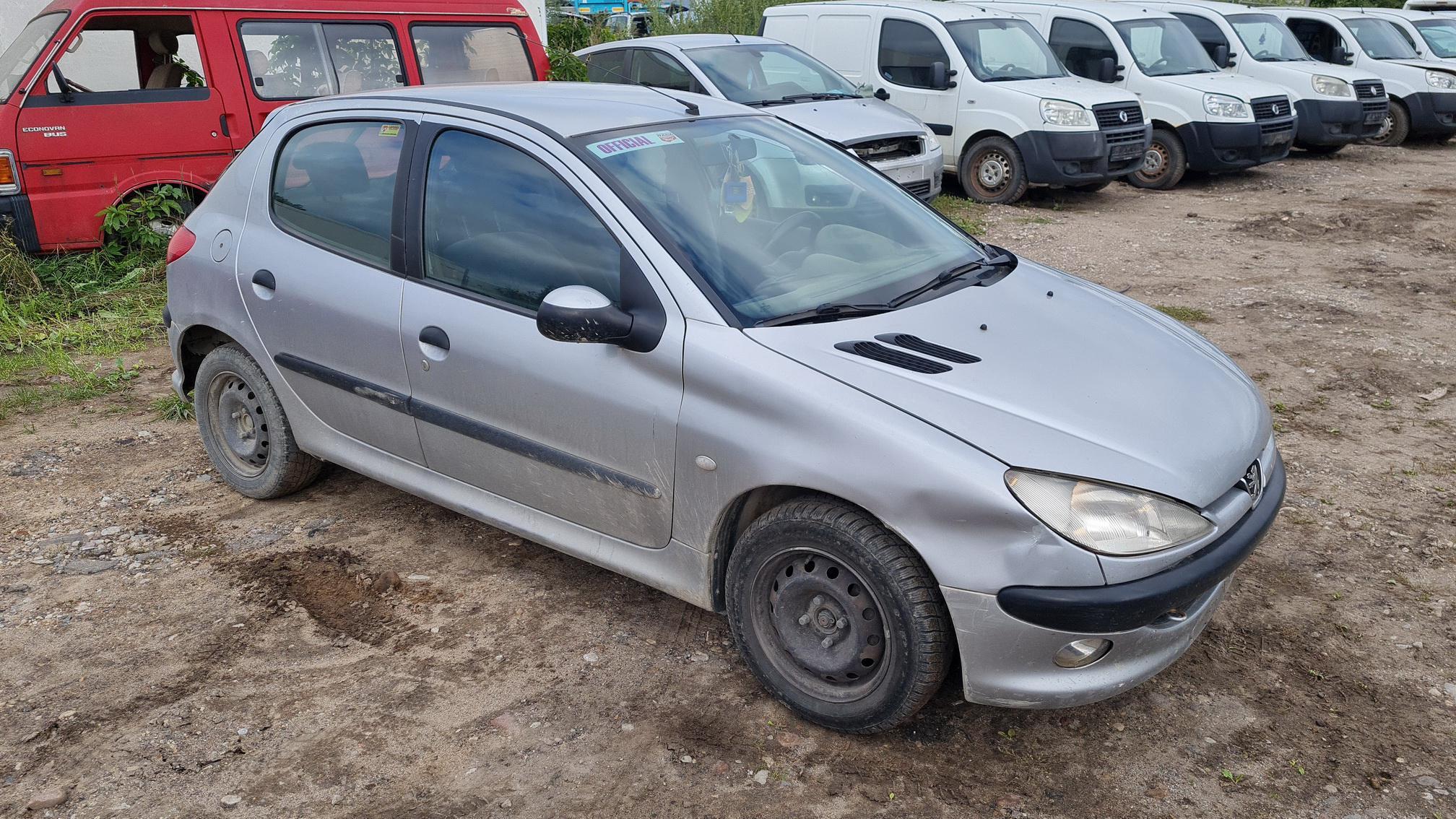 Naudotos automobilio dalys Peugeot 206 2000 2.0 Mechaninė Hečbekas 2/3 d. Pilka 2021-9-03