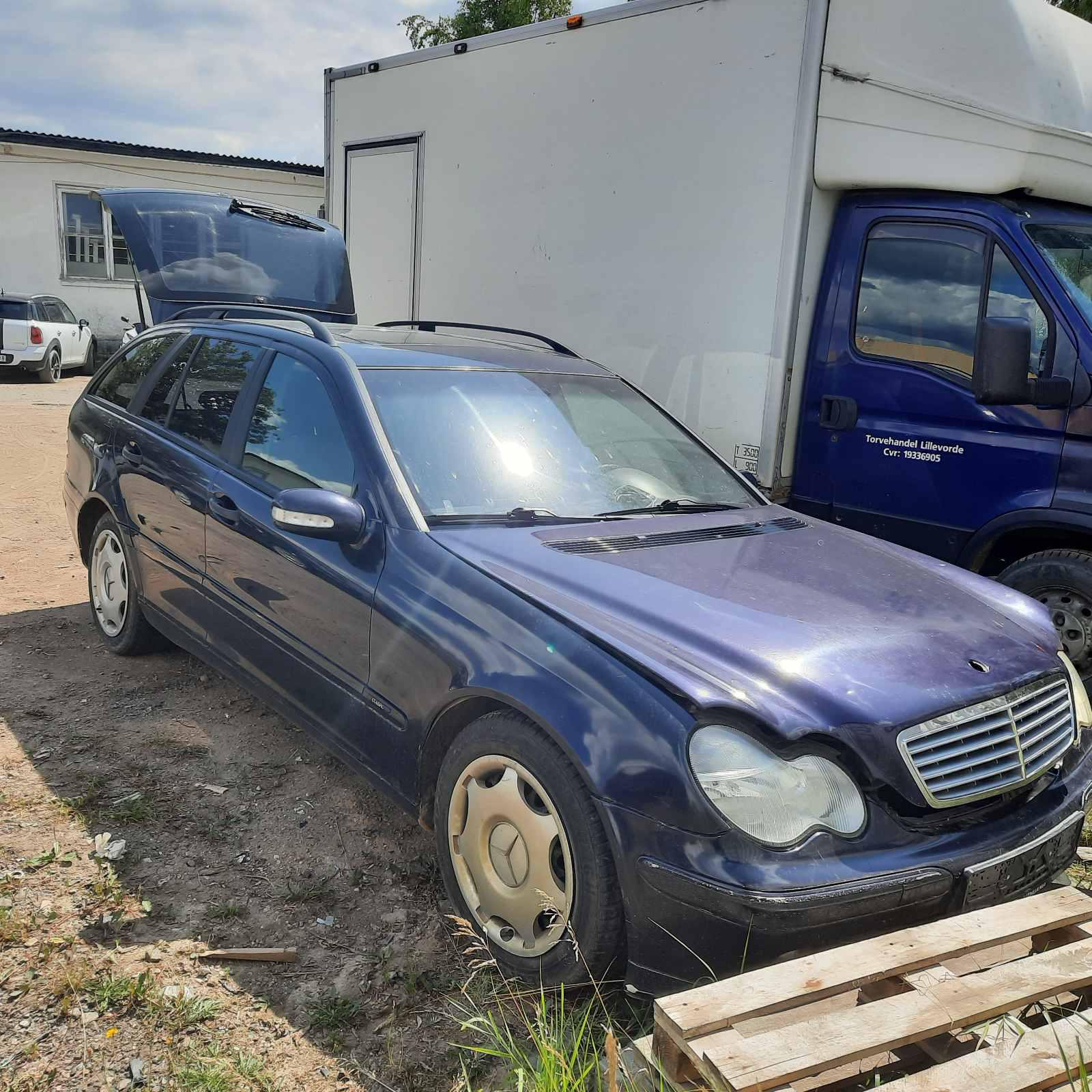 Naudotos automobilio dalys Mercedes-Benz C-CLASS 2002 2.7 Automatinė Universalas 4/5 d. Melyna 2021-7-19