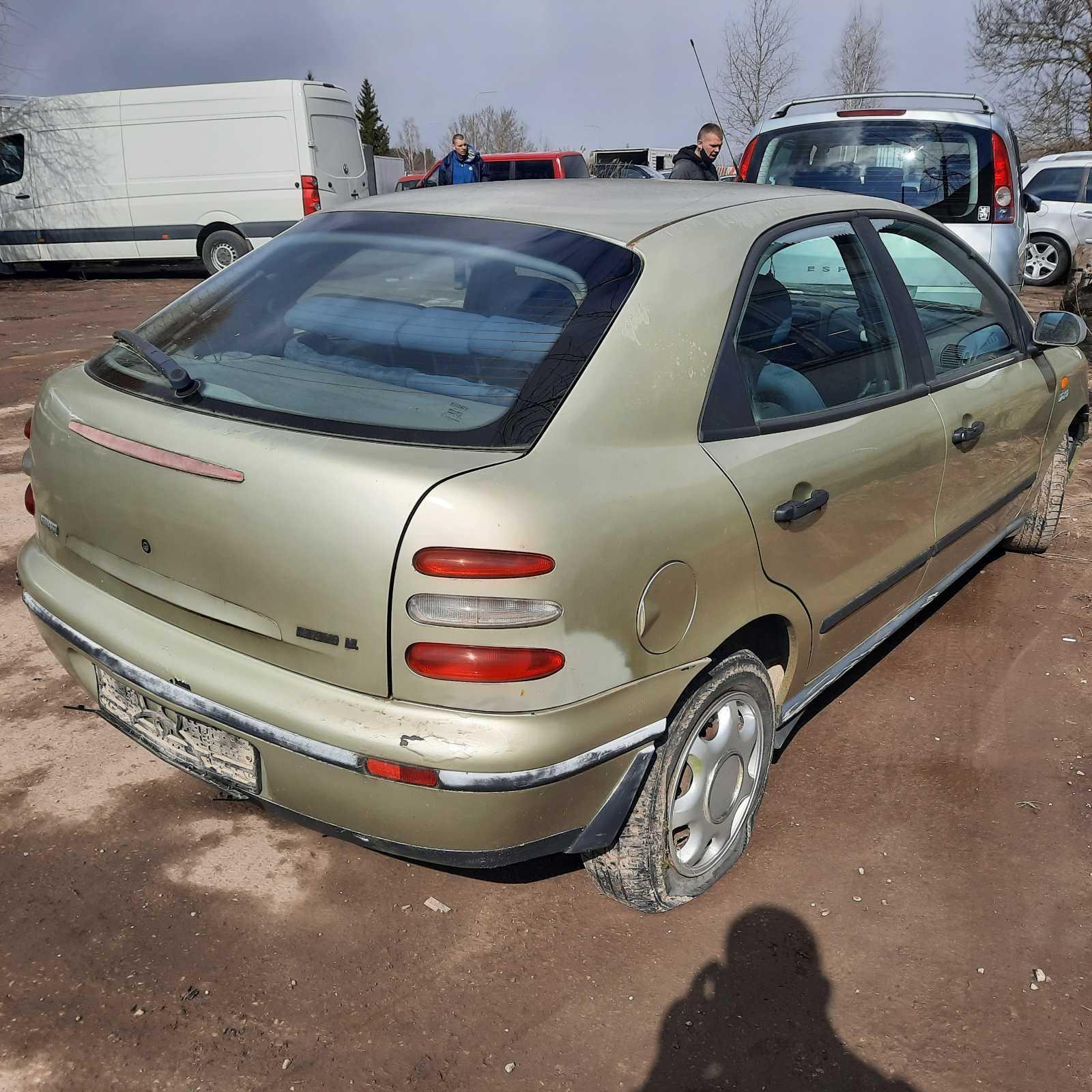 Naudotos automobiliu dallys Foto 8 Fiat BRAVA 1996 1.9 Mechaninė Hečbekas 4/5 d. Geltona 2021-4-07 A6134