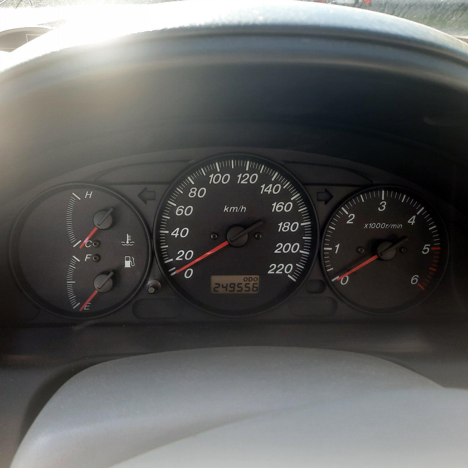 Naudotos automobilio dalys Mazda PREMACY 2002 2.0 Mechaninė Vienatūris 4/5 d. Zalia 2021-5-28