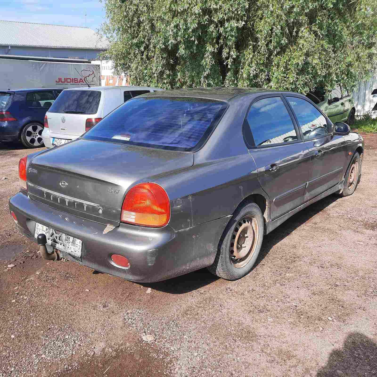 Naudotos automobiliu dallys Foto 4 Hyundai SONATA 1999 2.0 Mechaninė Sedanas 4/5 d. Pilka 2021-6-10 A6299