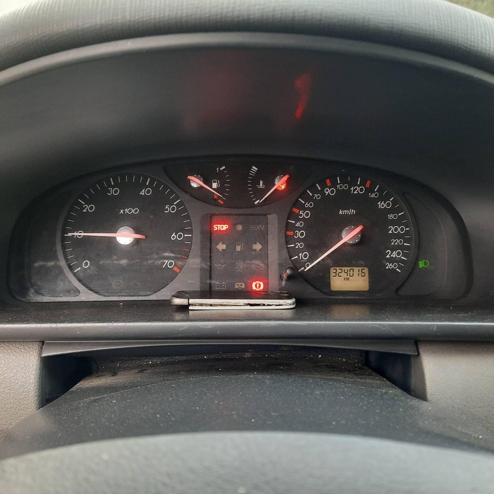 Naudotos automobilio dalys Renault LAGUNA 2001 1.8 Mechaninė Hečbekas 4/5 d. Pilka 2021-9-24
