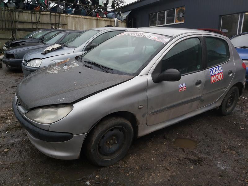 Подержанные Автозапчасти Foto 4 Peugeot 206 2000 1.1 машиностроение хэтчбэк 4/5 d. Серый 2020-11-21 A5844