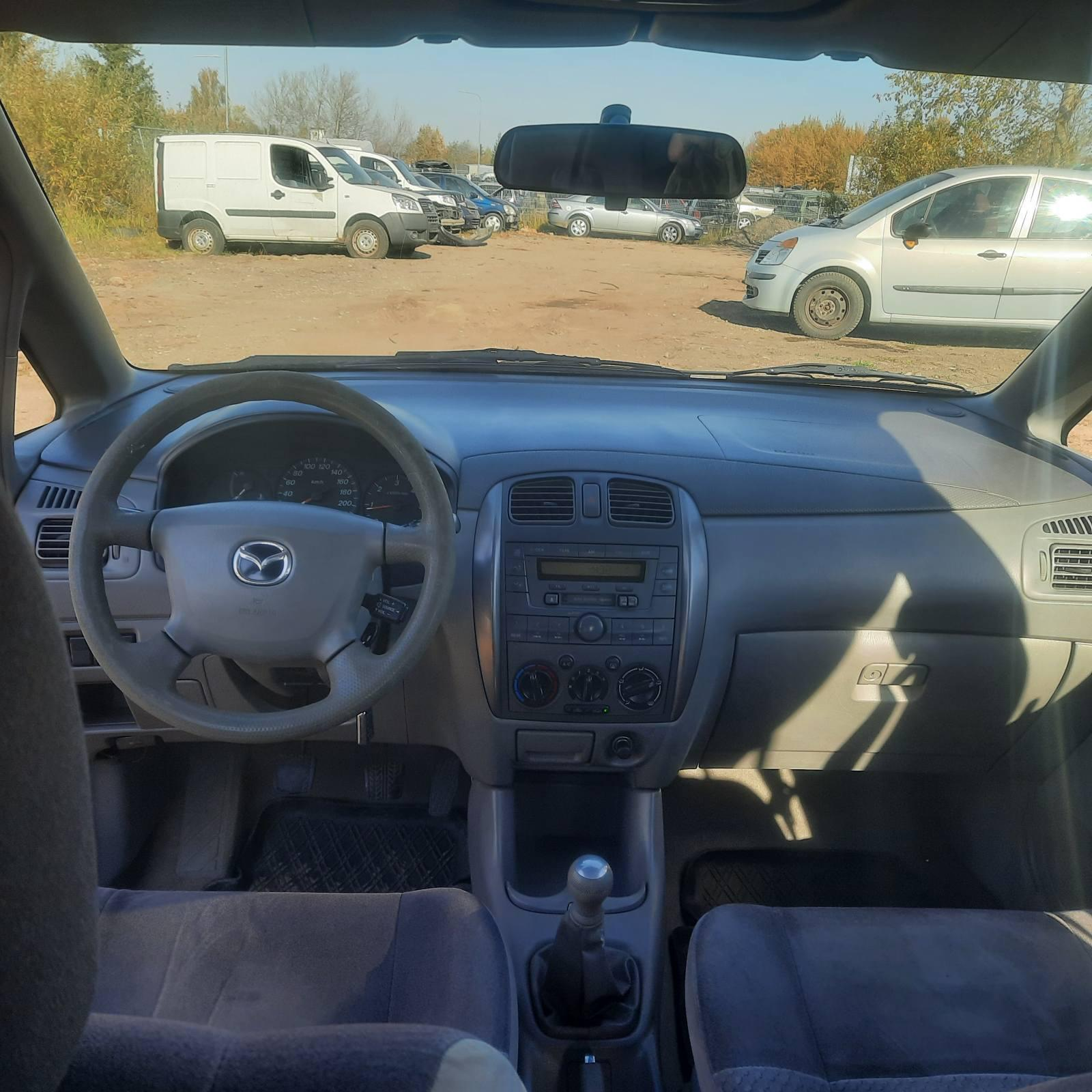 Naudotos automobilio dalys Mazda PREMACY 2001 2.0 Mechaninė Vienatūris 4/5 d. Pilka 2021-10-11