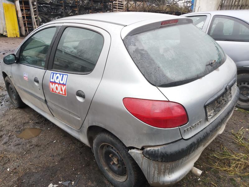 Подержанные Автозапчасти Foto 8 Peugeot 206 2000 1.1 машиностроение хэтчбэк 4/5 d. Серый 2020-11-21 A5844
