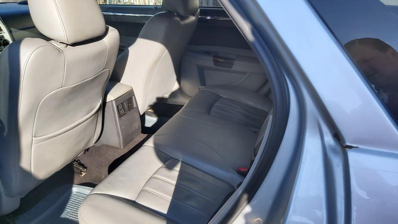 Naudotos automobiliu dallys Foto 5 Chrysler 300C 2005 3.0 Automatinė Universalas 4/5 d. Sidabrine 2021-5-01 A6187