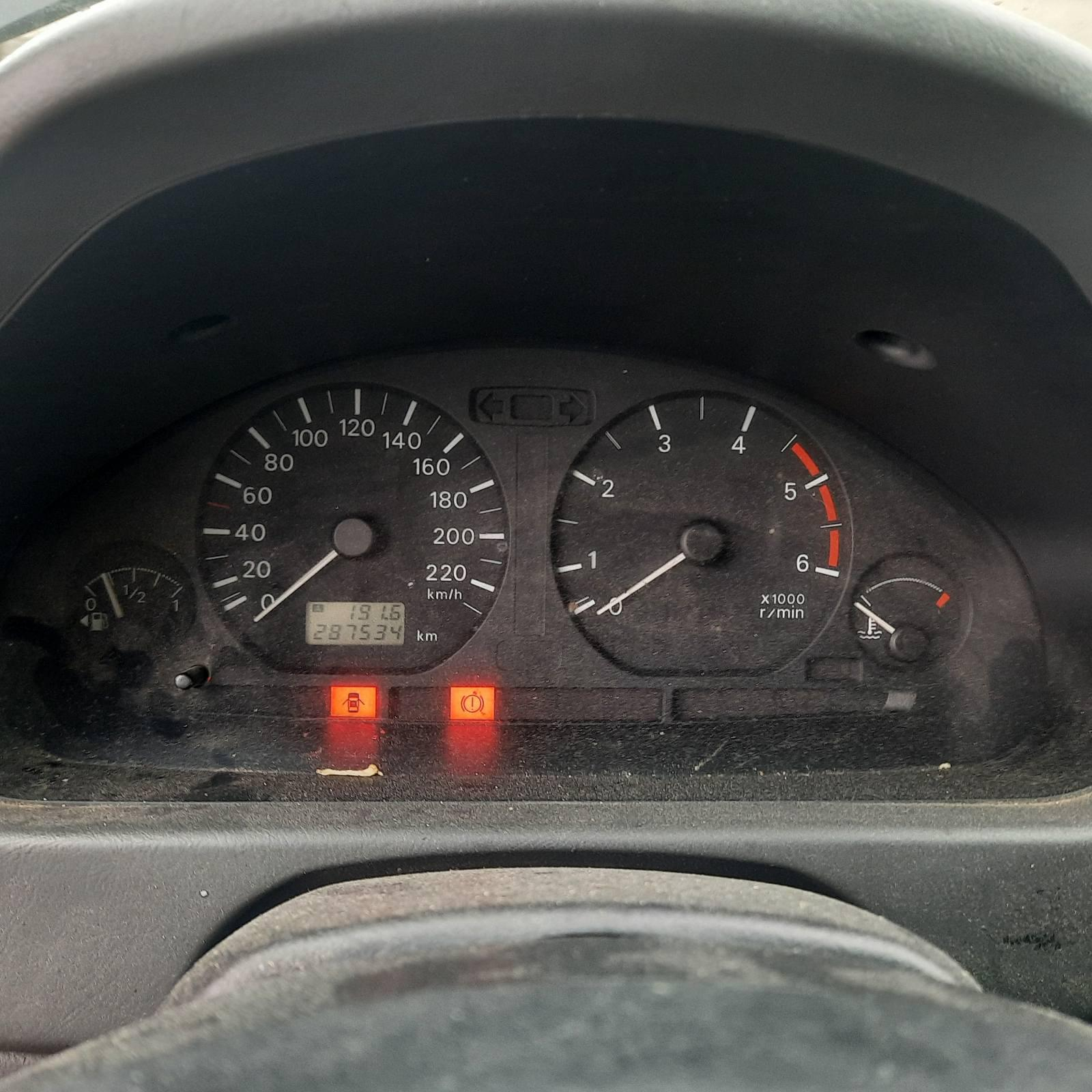 Naudotos automobilio dalys Mitsubishi SPACE STAR 2001 1.9 Mechaninė Hečbekas 4/5 d. Zalia 2021-8-25