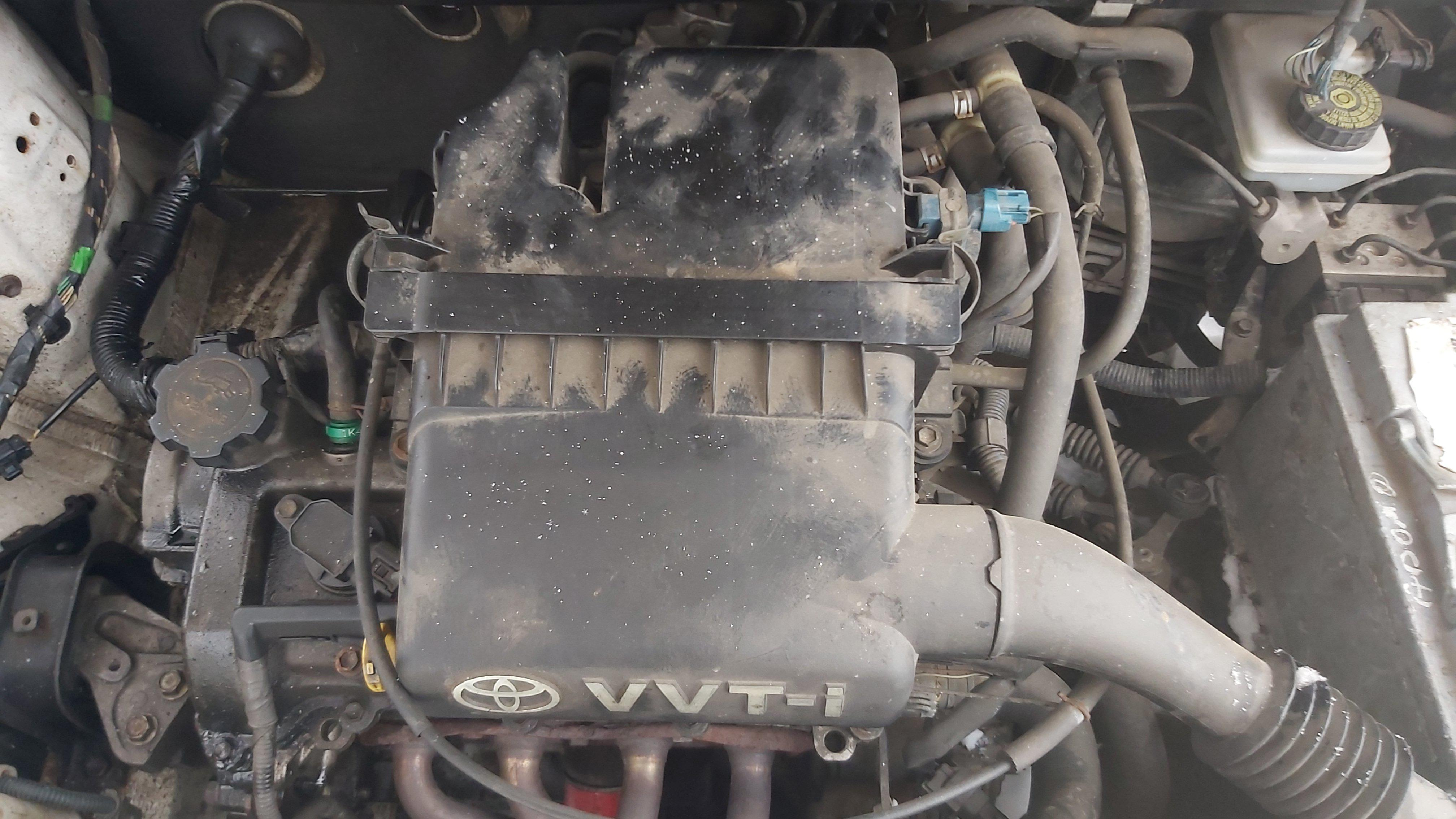 Naudotos automobiliu dallys Foto 4 Toyota YARIS 2002 1.0 Mechaninė Hečbekas 2/3 d. Balta 2021-1-12 A6023