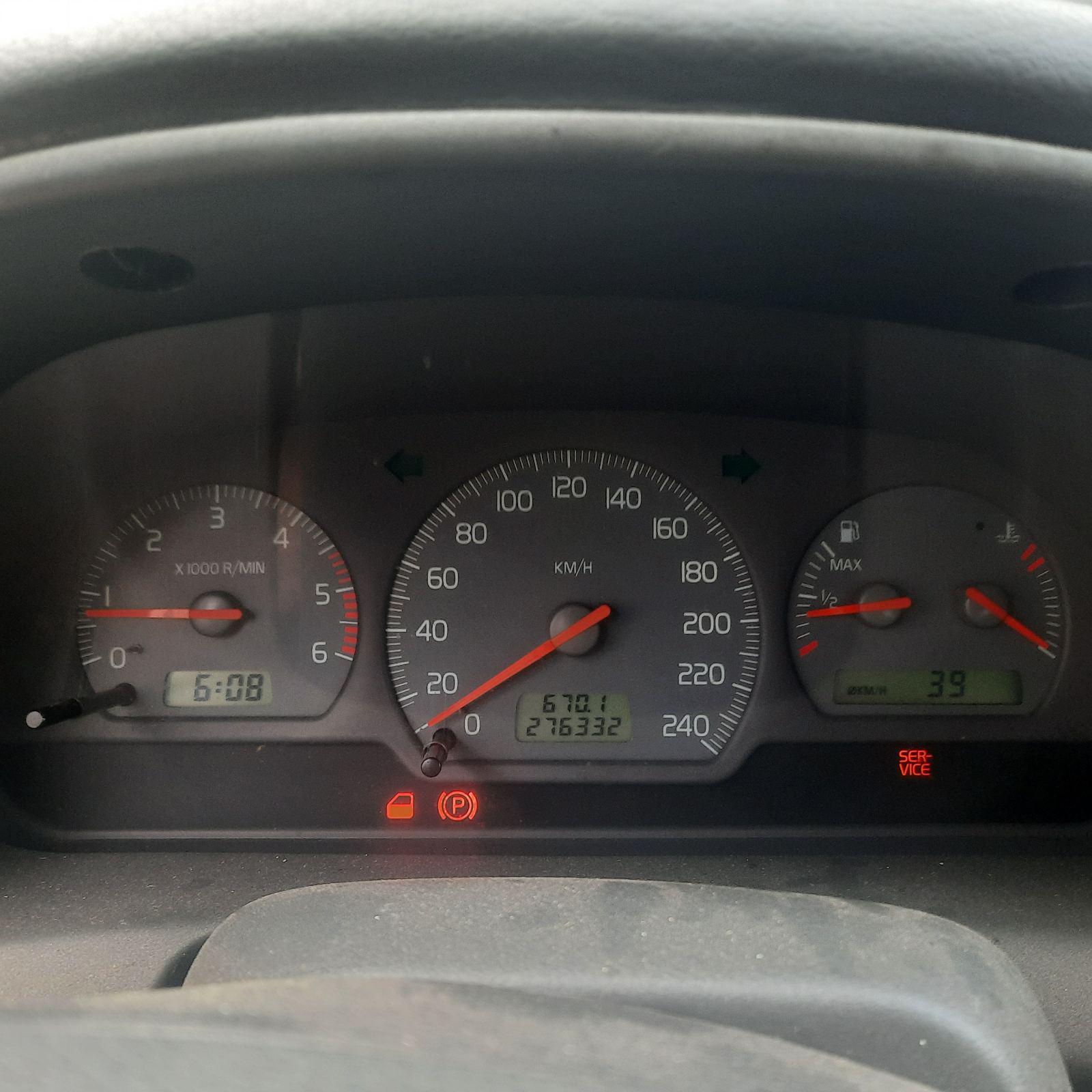 Naudotos automobilio dalys Volvo V40 2002 1.9 Mechaninė Universalas 4/5 d. Juoda 2021-8-17
