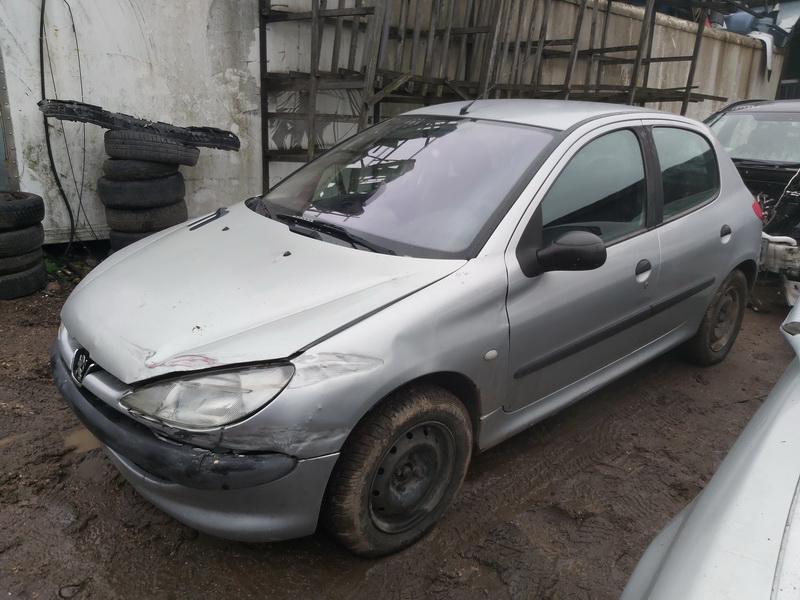 Подержанные Автозапчасти Foto 4 Peugeot 206 2002 1.4 машиностроение хэтчбэк 4/5 d. Серый 2020-11-21 A5840
