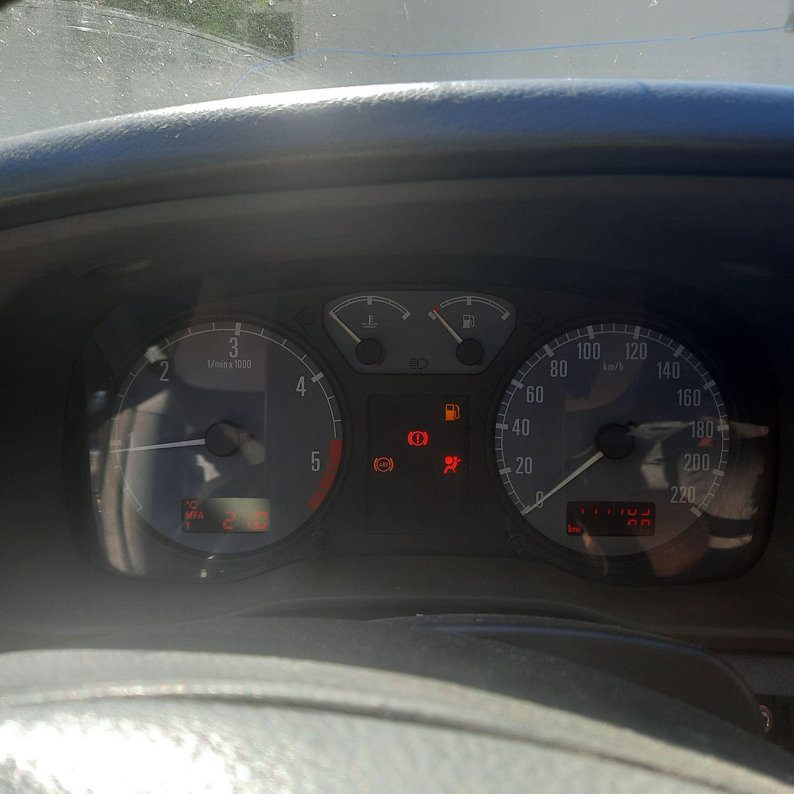 Подержанные Автозапчасти Skoda OCTAVIA 1997 1.9 машиностроение хэтчбэк 4/5 d. синий 2021-6-17