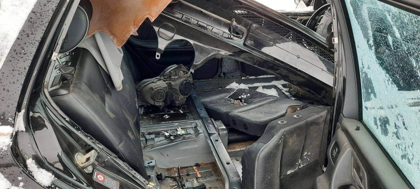 Used Car Parts Foto 4 Mercedes-Benz E-CLASS 2000 0.0 Mechanical Universal 4/5 d. Black 2021-1-12 A6026