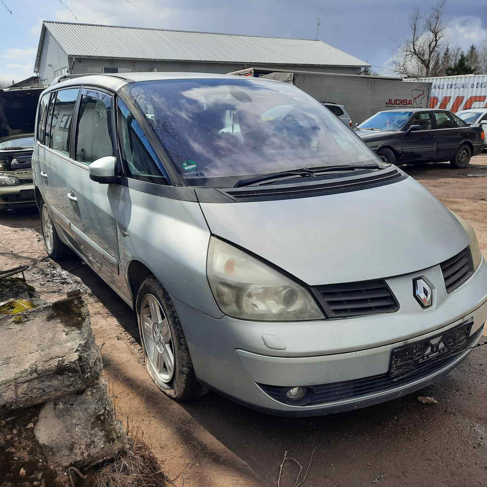 Used Car Parts Foto 1 Renault ESPACE 2004 2.2 Mechanical Minivan 4/5 d. Silver 2021-4-07 A6133