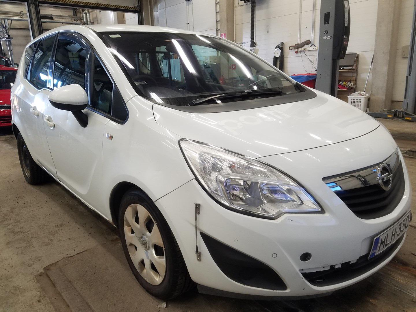 Used Car Parts Foto 1 Opel MERIVA 2013 1.7 Automatic Hatchback 4/5 d. white 2021-5-01 A6192