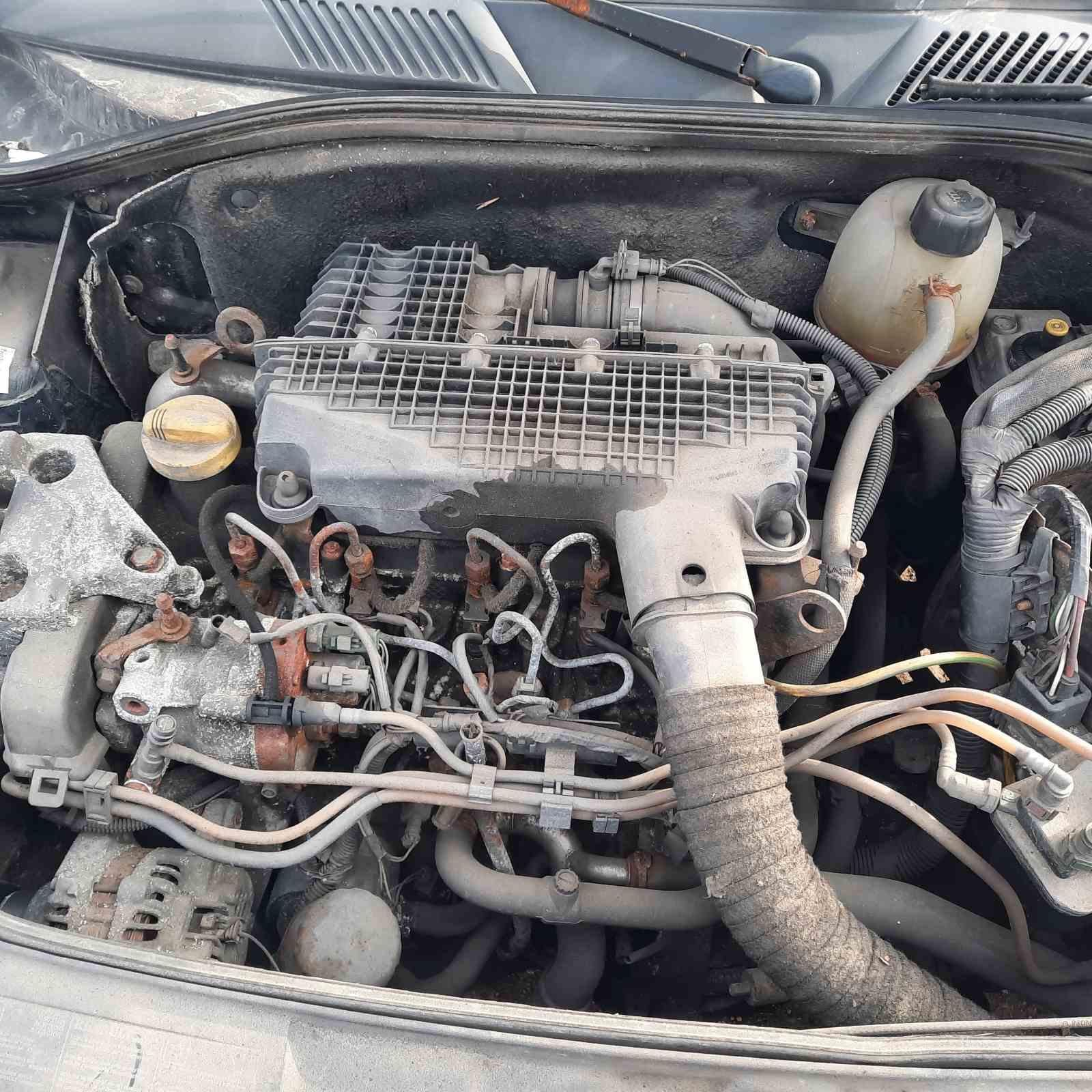 Foto-2 Renault Clio Clio, 2001.05 - 2004.11 facelift 2002 Diesel 1.5