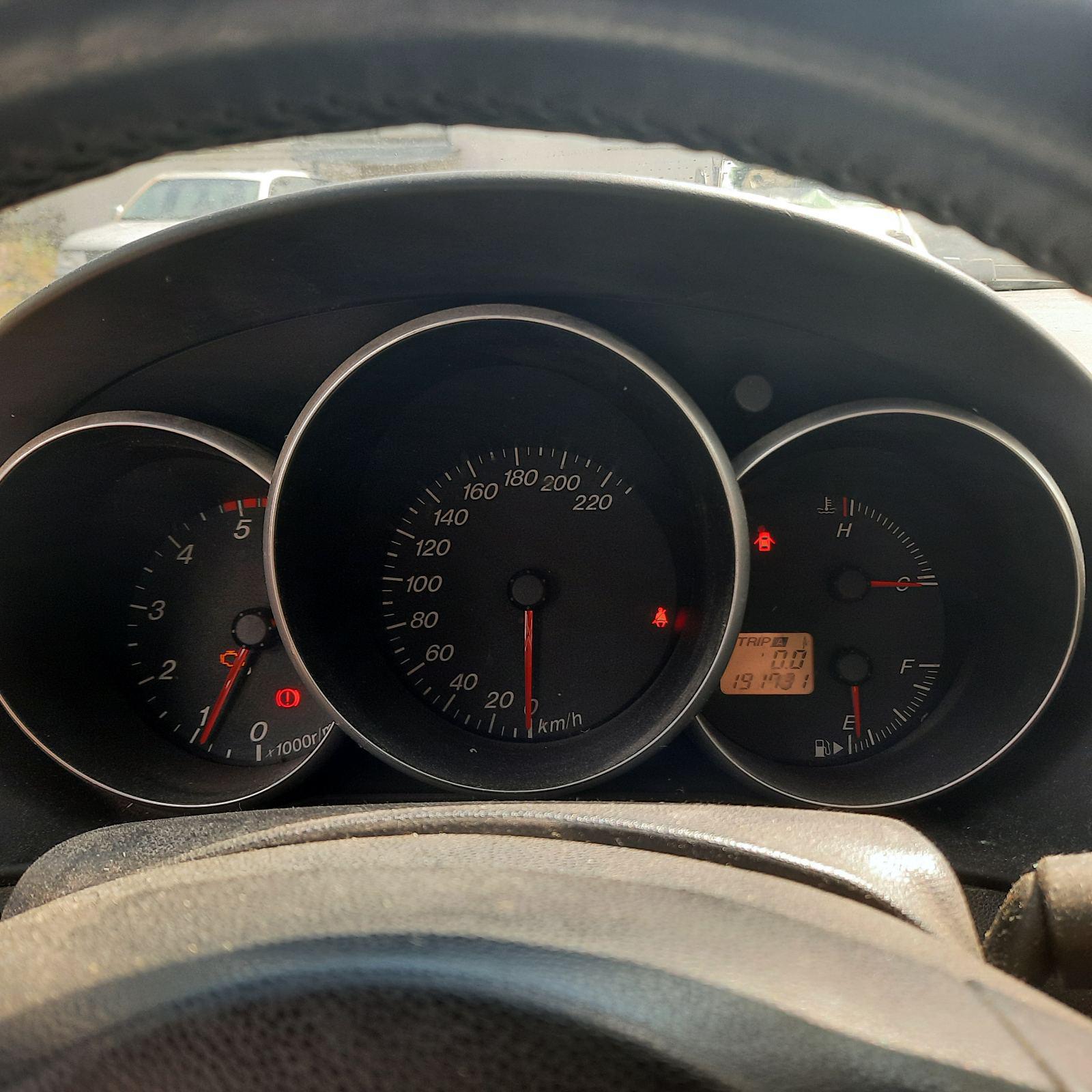 Naudotos automobilio dalys Mazda 3 2004 1.6 Mechaninė Hečbekas 4/5 d. Pilka 2021-8-05